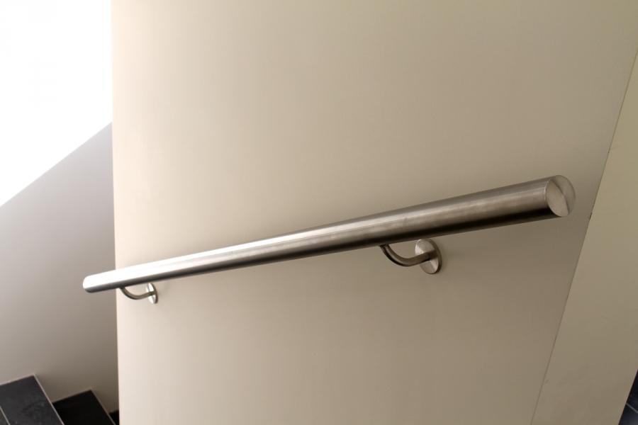 Handrail-fitting
